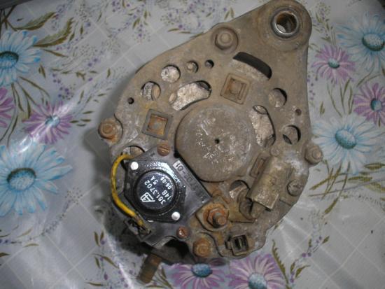 Почистим генератор щеточкой от