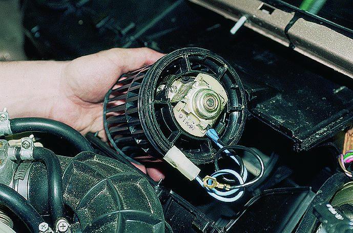 Схема подключения моторчика печки фото 6
