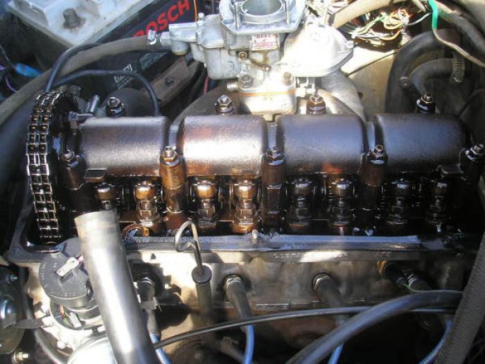 Двигатель ВАЗ-2107 со снятой